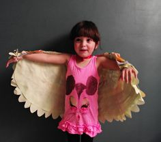 I spotted these AMAZING dress up wings at Llevo el Invierno while surfing the crafty web, and I just had to ask their creator to share the tutorial with us. Her site is adorable, and it is written …