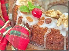 Bolo delicioso feito com sobras de doces e bolos do Natal