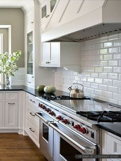 Trendy kitchen renovation ideas back splashes subway tile backsplash White Beveled Subway Tile, Beveled Subway Tile Kitchen, Subway Tile Backsplash Kitchen, Kitchen Design, Kitchen Renovation, New Kitchen, Kitchen Trends, Kitchen Tiles Backsplash, White Subway Tile Kitchen