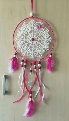 Dreamcatcher Crochet, Dreamcatcher Design, Crochet Mandala, Dream Catcher Nursery, Dream Catcher Art, Crochet Wall Art, Homemade Dream Catchers, Crochet Designs, Wind Chimes