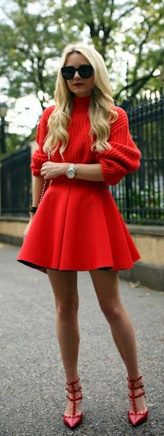 Autumns party colour is red… Blair Eadie shows us the way. Skirt and top from H&M and the shoes are from Valentino