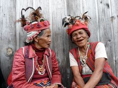Ifugao Women. I noticed that it is quite easy to locate pictures of Ifugaos on the net. I am starting to believe that they are the most famous or if not, well documented tribe of the north. Nevertheless I really like looking at pictures of old people. It is like seeing the past through their eyes. I want to immerse myself in their tribe if given the chance. Wanna join me?