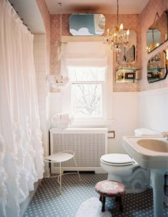love love love this bathroom! i feel like this is what mine wants to be.