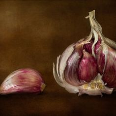 Garlic by Mandy Disher, via Image Resources, Food Decoration, Vegetable Salad, Creative Food, Food Design, Photo Studio, Food Photography, Floral Photography, Food Art