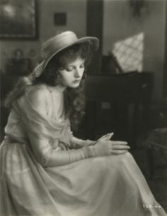 Corinne Griffith inThe Divine Lady(1929).  She was nominated for an Academy Award for Best Actress in this film.