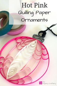 Hot Pink Quilling Paper Christmas Ornaments More Quilling could be the artwork of making pictures, objects and objects from coils of paper that have been molded into numerous unique shapes or structures. People frequently get sta. Arte Quilling, Paper Quilling Patterns, Origami And Quilling, Quilled Paper Art, Quilling Paper Craft, Paper Crafts, Paper Toys, Paper Christmas Decorations, Paper Christmas Ornaments