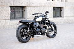 Our most classical and timeless Triumph Bonneville T100 based build : the Dandy Bonnie.