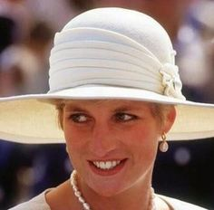 These Earrings Are Inspired By A Famous Painting At The Metropolitan Museum As You See In The Photos Princess Diana Is Wearing Very Similar Pair They Are Available In White Or Black Gold Plated Delive