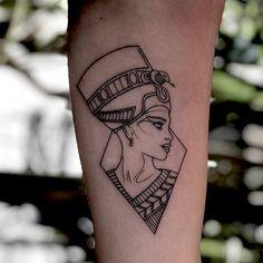 Nefertiti Tattoo By Charlie Rose Tattoo Canggu Bali --- Mini Tattoos, Rose Tattoos, Leg Tattoos, Body Art Tattoos, Small Tattoos, Sleeve Tattoos, Rose Tattoo On Hand, Tattoo Roses, Script Tattoos