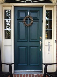 Check out these incredible traditional front doors - what an imaginative .Check out these incredible traditional front doors - what an inventive project ideas Teal Door Colors brick ideas turquoise door colors brick Teal Front Doors, Teal Door, Turquoise Door, Front Door Paint Colors, Painted Front Doors, Painted Exterior Doors, Exterior Door Colors, Exterior Paint, House Front Door