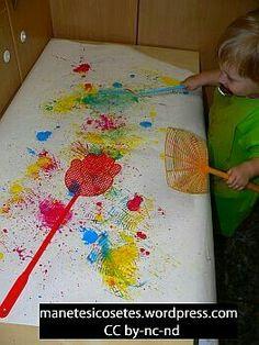 Estampem amb pales matamosques - Crafts for Kids and more. Kids Crafts, Toddler Crafts, Toddler Activities, Preschool Activities, Painting Activities, Sensory Art, Messy Art, Toddler Art, Baby Art