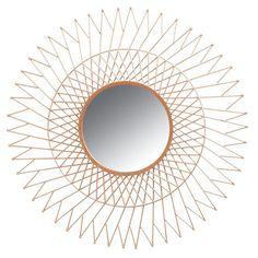 Aspect : Matériau principal = Métal cuivré ? Dimensions : Diamètre (en cm) = 76,00 ? Profondeur (en cm) = 2,00 ? Autres caractéristiques : Poids (en kg) = 5,00 ?  Ce miroir soleil en métal cuivré, de chez Aubry GASPARD, utilitaire et ornemental, se pose comme un véritable atout pour votre décoration. Il s'harmonisera autant avec un design contemporain qu'avec un décor plus ethnique. Que ce soit dans votre salon, dans votre chambre ou dans toute autre pièce de votre...
