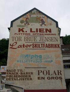 Muurreclame in Bergen, Noorwegen