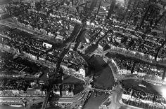 Luchtfoto van het centrum in de buurt van de willemsbrug 1938