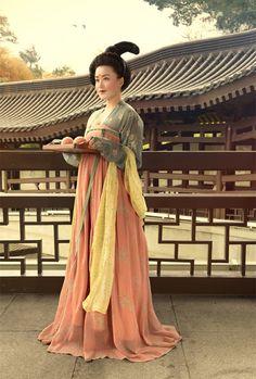 mingsonjia:  Tang Dynasty Women Portraits by Chen Runxi @Tang Paradise