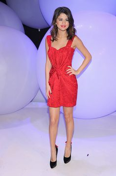 Selena Gomez Style Pictures CLICK THE PIC and Learn how you can EARN MONEY while still having fun on Pinterest