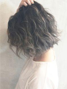 【ALBUM渋谷】NOBU_グレーグラデーションカラー_ba2511/ALBUM 渋谷店をご紹介。2016年春の最新ヘアスタイルを20万点以上掲載!ミディアム、ショート、ボブなど豊富な条件でヘアスタイル・髪型・アレンジをチェック。