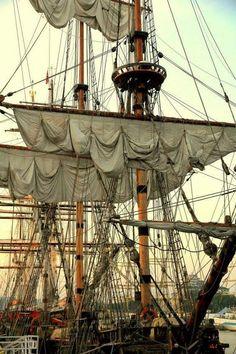 British four-masted bark SAMARITAN,  Tall Ship Amerigo Vespucci, Pommern ( 1903 ) Four Masted Barque, USS Constitution Wooden Tall Ship Model, Chinese Junk Ship Model, History Of Pirates