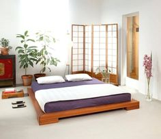 Japanese interior design style has unique characteristics. Japanese interior is a matter of how to design a space that blends with nature. In addition, a modern touch on Japanese interior design al… Japanese Futon Bed, Japanese Bed Frame, Futon Bed Frames, Low Bed Frame, Japanese Style Bedroom, Japanese Inspired Bedroom, Japanese House, Modern Japanese Interior, Japanese Furniture