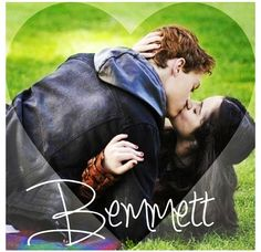 I wish they would have stayed together! They were the cutest couple, I was so mad at Emmett when he cheated on Bay!