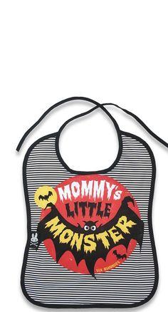 Six Bunnies Mommys monster bat bib alternative goth punk rock metal biker baby Rockabilly Baby, Rockabilly Style, Rockabilly Fashion, Lolita Fashion, Biker Baby, Baby Bats, Baby Bunnies, Bunny, Goth Baby