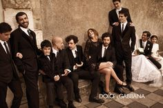 .Love these group shots, they feel really Italian and remind me of family gatherings we had when I was a child.