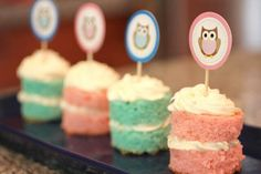 Cakes with owl toppers