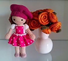 Amigurumi doll with crochet flowers. (Free pattern but needs translating). Diy Crochet And Knitting, Crochet Kids Hats, Crochet Gifts, Kawaii Crochet, Cute Crochet, Crochet Fairy, Crochet Flowers, Crochet Amigurumi Free Patterns, Knitted Dolls
