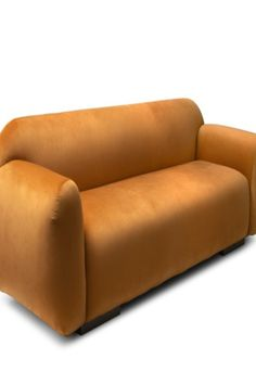 Otters are known for being a playful animal, with a high capacity to adapt to the environment. Inspired by the nature of this animal, the OTTER Sofa can adapt to any room and be an integral part of your interior design. Its round shapes transmit both comfort and grandiosity, whether it is placed in a modern living room or a comfortable home cinema area.  #livingroomdesign #contemporarylivingrooms #modernlivingrooms #classiclivingrooms #mid-centurylivingrooms #eclecticlivingrooms
