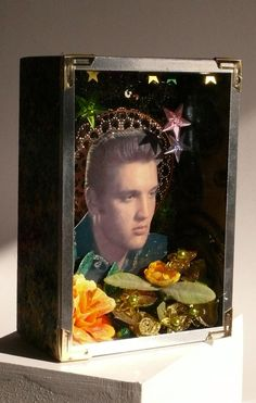 Elvis golden green box
