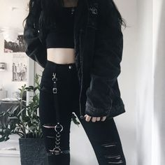 Korean Fashion Trends you can Steal – Designer Fashion Tips Edgy Outfits, Korean Outfits, Cute Casual Outfits, Grunge Outfits, Girl Outfits, Fashion Outfits, Fashion Ideas, Fashion Clothes, Black Outfit Edgy