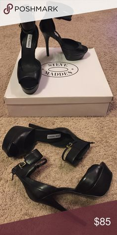 ✨Steve Madden Faymuss Black Sandal Heels New in box. ✨Save $$$ when bundling with other items. 📍NO TRADE Steve Madden Shoes Heels