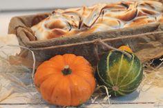 Kürbiskuchen mit Baiser für`s Gittilein Pumpkin, Jar, Vegetables, Food, Decor, Merengue, Pumpkins, Jars, Veggie Food