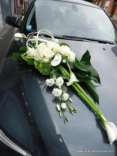 Bride& Cars: Bildbeschreibung Decorate your car at home . Wedding Car Decorations, Wedding Centerpieces, Bridal Car, Cactus Photography, Lily Wedding, Funeral Flowers, Bride Bouquets, Bridal Flowers, Wedding Designs