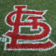 I want my own St. Louis Cardinals lawn stencil - I would use it every time the grass was mowed! St Louis Baseball, St Louis Cardinals Baseball, Stl Cardinals, Baseball Season, Baseball Players, Baseball Cards, Better Baseball, Spring Training, Grass