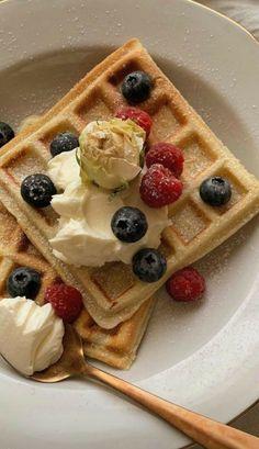 Think Food, I Love Food, Good Food, Yummy Food, Food Goals, Food Is Fuel, Cafe Food, Aesthetic Food, Food Cravings