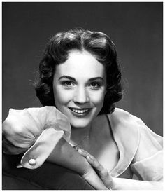 // Gorgeous young Julie Andrews