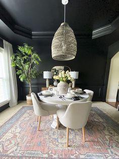 Dark Grey Dining Room, Elegant Dining Room, Beautiful Dining Rooms, Dining Room Walls, Dining Decor, Dining Room Design, Design Table, Patio Dining, Dining Room Inspiration