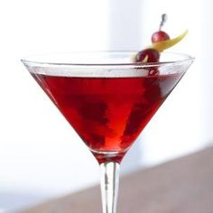 This gorgeous cocktail should definitely grace a Christmas dinner table.