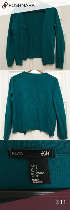 Teal H&M Scoopneck Cardigan A teal scoopneck cardigan with functioning buttons. No flaws H&M Sweaters Cardigans