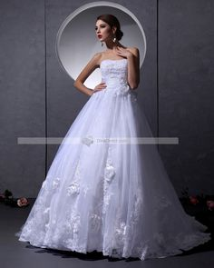 Organza Beading & Handmade Flowers & Applique Strapless Chapel A-line Bridal Gown Wedding Dress