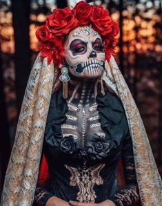 incredible to say the least! Amazing photography of this beautiful Catrina! Every aspect of the color,… Halloween Makeup Sugar Skull, Sugar Skull Costume, Cool Halloween Makeup, Sugar Skull Makeup, Sugar Skull Art, Halloween Skull, Halloween Costumes, Skeleton Makeup, Sugar Skulls