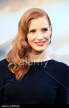 US actress and cast member Jessica Chastain arrives for the Los Angeles premiere of 'Interstellar' at the TCL Chinese Theater in Hollywood, Los Angeles, California, USA 26 October 2014. The movie opens in the US on 07 November 2014. © epa european pressphoto agency b.v. / Alamy