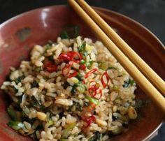Japanese-Style Fried Brown Rice by Saveur. This dish is based on one that appears in the Japanese-language cookbook Saisai Gohan by Yumiko Kanou (Shibata-Shoten, the chef and owner of Nakaiseki Sen, a vegetarian restaurant in Tokyo. Pine Nut Recipes, Brown Rice Recipes, Rice Recipes For Dinner, Leftovers Recipes, Top Healthy Foods, Healthy Eating, Healthy Recipes, Clean Eating, Healthy Lunches