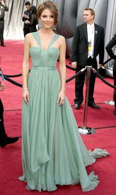 Best red carpet dresses of all time worn by celebrities su yesili nil yesili abiye- dugun - söz - nişan davet elbisesi -mint green