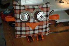 Cute crinkly, taggie owl
