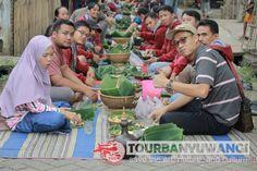 Paket gathering kantor acara makan Pecel Pitik di Desa Kemiren Banyuwangi