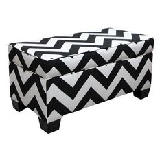 Black & White #Chevron #Ottoman - this would be adorable in the right place.
