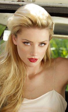 How are you Mark Shavick darling? Beautiful Girl Image, Beautiful Eyes, Gorgeous Women, Amber Heard Hair, Amber Head, Beauté Blonde, Hot Blondes, Celebs, Celebrities