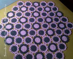 Tecendo Artes em Crochet: Novo Tapete Flowers Saindo do Forno...